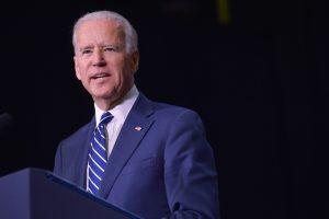 """JAV viceprezidentas J. Bidenas per """"Oskarų"""" įteikimo ceremoniją pristatys Lady Gagą"""