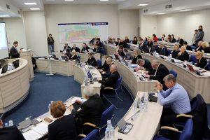 Tarybos posėdyje – politikų rietenos