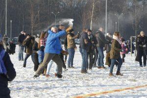 Gniūžčių mūšio Klaipėdoje nesutrikdė prastai lipęs sniegas