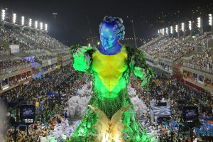 """Rio karnavalas šoka ir dainuoja pagautas """"bitlomanijos"""""""