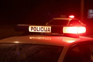Tauragėje nuteisti policininkams pasipriešinę ir juos sužaloję jaunuoliai