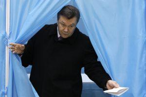 Vakarų finansinė parama – spaudimas Ukrainai?
