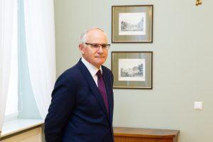 Dėl didesnių algų darželių auklėtojams į savivaldybes kreipėsi ministras