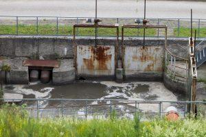 Kėdainiuose aiškinamasi, kaip į upę patenka nevalytos nuotekos