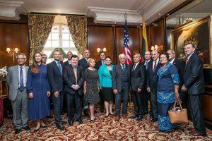 JAV kongresmenas: Rusijai negalima leisti energetikos naudoti politiniais tikslais