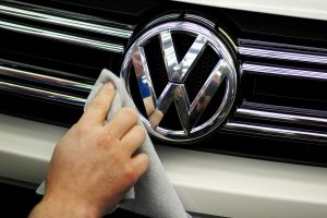 """Šiemet Lietuvos keliuose labiausiai kentėjo seni """"Volkswagen"""" automobiliai"""