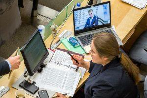 Nustebino: ant A. Širinskienės kompiuterio ekrano – G. Landsbergis