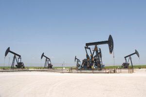 Naftos kainos sugrįžo į 40 JAV dolerių už barelį lygį