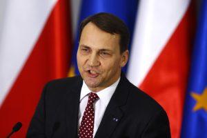 Varšuva ginasi: R. Sikorskio pareiškimai neatspindi Lenkijos pozicijos
