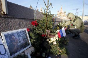 B. Nemcovo nužudymo metinės Vilniuje paminėtos su baltais balionais
