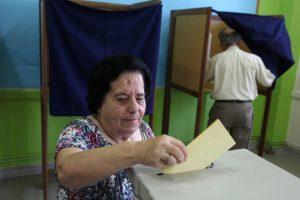 Nusivylę kipriečiai renka naują parlamentą