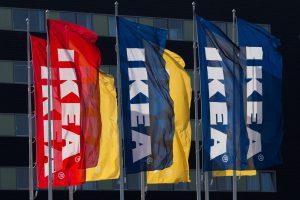 IKEA atsiprašė dėl žydams ultraortodoksams skirto katalogo