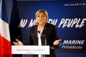 M. Le Pen asistentė sulaukė įtarimų fiktyvaus įdarbinimo byloje