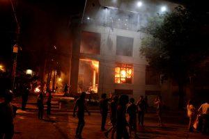 Paragvajuje protestuotojai padegė parlamentą