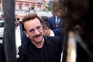 """Bono """"susikrimtęs"""" dėl paviešintos informacijos apie investicijas Lietuvoje"""