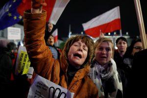 Lenkijoje – protestai prieš teismų reformą