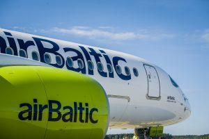 """""""AirBaltic"""" nuo kitų metų skraidins iš Rygos į Štutgartą"""