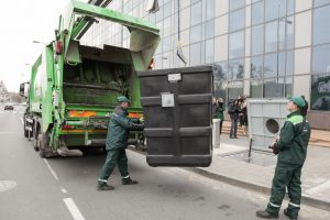 Vilniuje – valdžios ir atliekų vežėjų ginčas dėl šiukšlių kainos