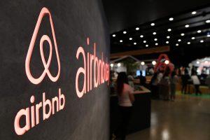 """Airbnb"" iš Europos Komisijos – kritikos pliūpsnis"