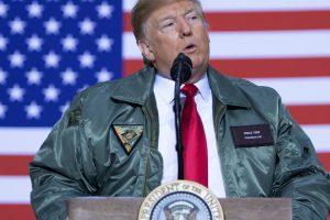 """D. Trumpas Irake rėžė: JAV nebebus """"pasaulio policininkas"""""""