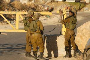 """Izraelis po raketinės atakos smogė """"Hamas"""" taikiniams Gazos Ruože"""