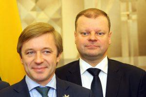 """Apklausa: kad Lietuvoje padėtis gerėja, mano tik """"valstiečių"""" rinkėjai"""