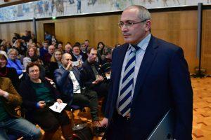 """M. Chodorkovskis apie prezidento rinkimus: tai tebus """"pseudorinkimai"""""""