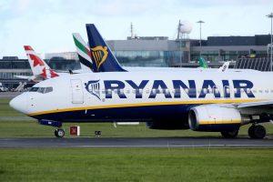 """""""Ryanair"""" pilotai penktadienį streikuoja"""