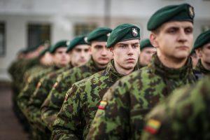 Sociologas: pasitikėjimas kariuomene – aukščiausias per 12 metų