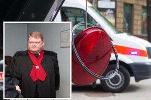 Girtas šviesoforą nuskynęs prokuroras nušalintas nuo pareigų