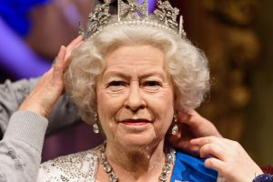 Karalienė Elizabeth II muša Britanijos monarchijos rekordą