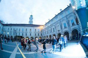 VU Kultūros centras kviečia į masinę liaudies šokių pamoką