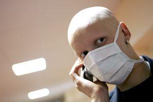 Medikai skambina pavojaus varpais: pritrūks vaistų kraujo vėžiui gydyti