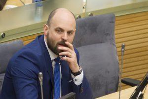 """Absoliutus čempionas tarp Seimo tylenių – """"valstietis"""" L. Stacevičius"""