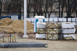 Remontuojamoje Lukiškių aikštėje – aliarmas dėl sprogmens