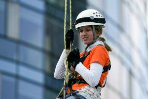 Šuoliams su virve dažniau ryžtasi moterys