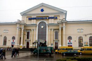 Sostinėje norėta susprogdinti autobusų ir geležinkelio stotis