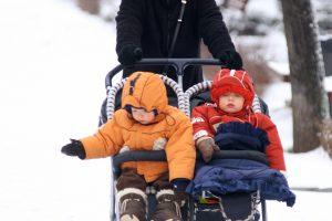 """Seimas pritarė: """"vaiko pinigai"""" bus mokami visiems"""