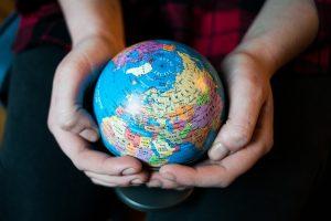 Daugėja žmonių, save laikančių pasaulio piliečiais