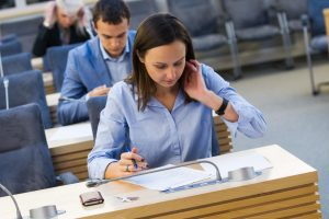 Abiturientai laiko matematikos valstybinį egzaminą