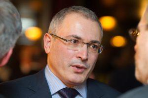 """""""Jukos"""" akcininkai: Prancūzijoje areštuota 1 mlrd. eurų vertės Rusijos turto"""