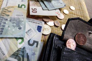 Vyriausybė turi viltį pensijas padidinti beveik trečdaliu