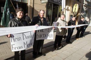 Nenorintys pabėgėlių perkėlimo į Lietuvą gaus parašų rinkimo lapus