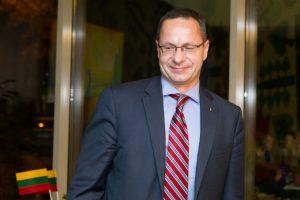 Seimo nariai ragina daugiau investuoti į bendradarbiavimą su JAV