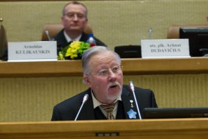 V. Landsbergis: priešas puola melu, propaganda ir kvailinimu