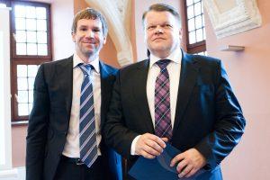 """Seimas ėmėsi pataisų, kurios leistų teisti """"Snoro"""" vadovus už akių"""