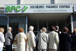 Siūloma valstybės remiamas pajamas didinti iki 122 eurų