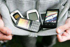 Telecentras prašo ištirti galimą mobiliojo ryšio operatorių kartelį