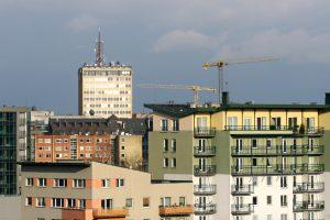 Socialinius būstus savivaldybės perka dešimtkart brangiau nei rinkos kaina