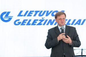 """Atsistatydina """"Lietuvos geležinkelių"""" vadovas S. Dailydka"""
